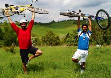 I-RiCiclabili-con-le-loro-biciclette