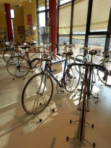 collezione-di-biciclette-allinterno-del-Museo-del-Ciclismo-Gino-Bartali-1-225x300