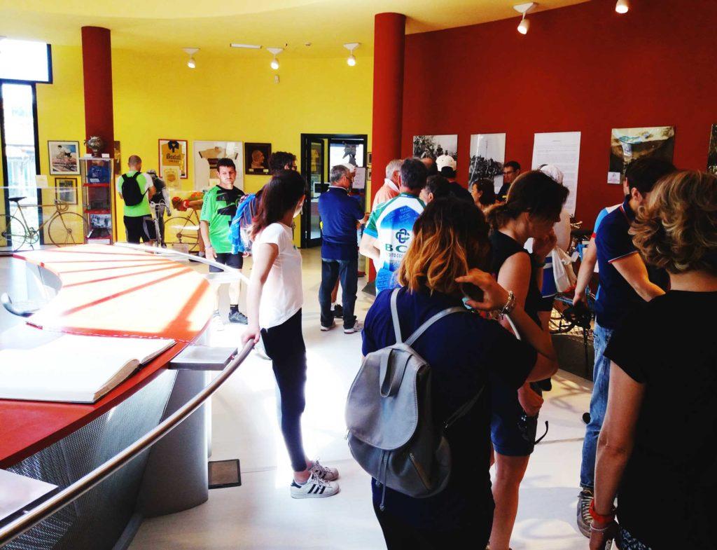 visita-di-gruppo-al-Museo-Bartali-1-1024x785