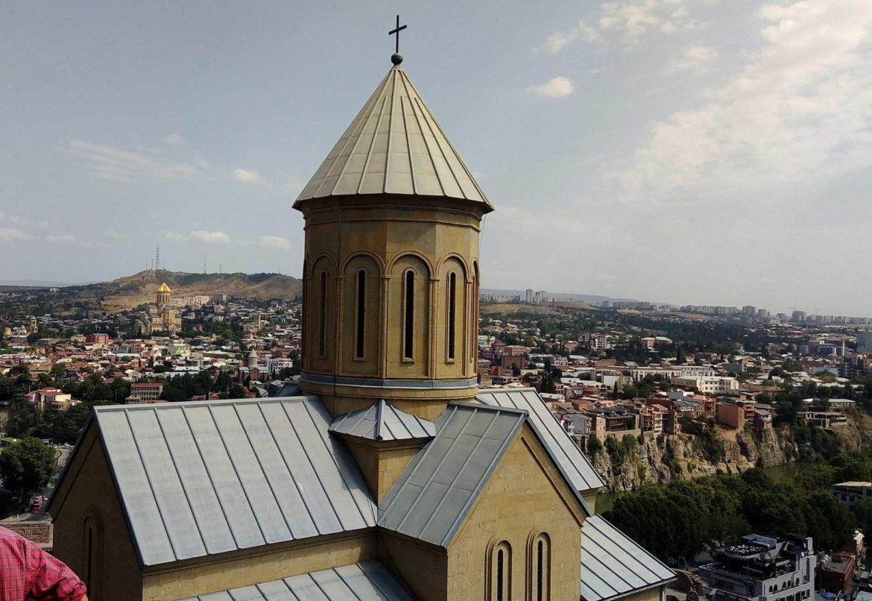 VIAGGIO IN BICICLETTA ATTRAVERSO LA GEORGIA: TERRA DI MONTAGNE E OSPITALITA'
