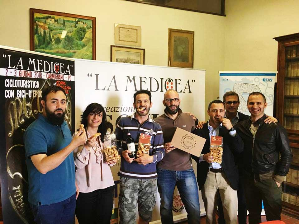 """ASPETTANDO """"LA MEDICEA"""":  IN BICI D'EPOCA TRA VILLE E OLIVETI"""