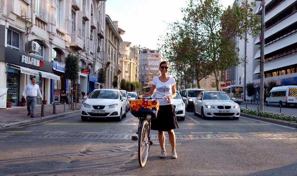 bikes-vs-cars-Pinar-Pinzuti-